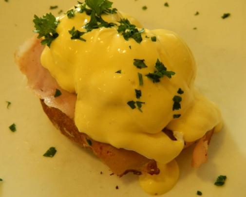Pane e Tulipani Eggs Benedict