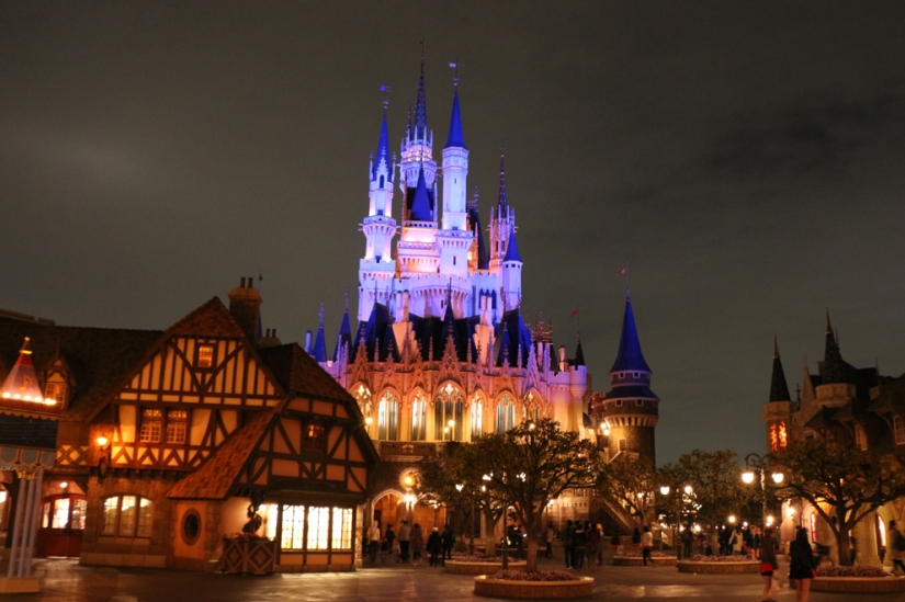 nighttokyodisneyland